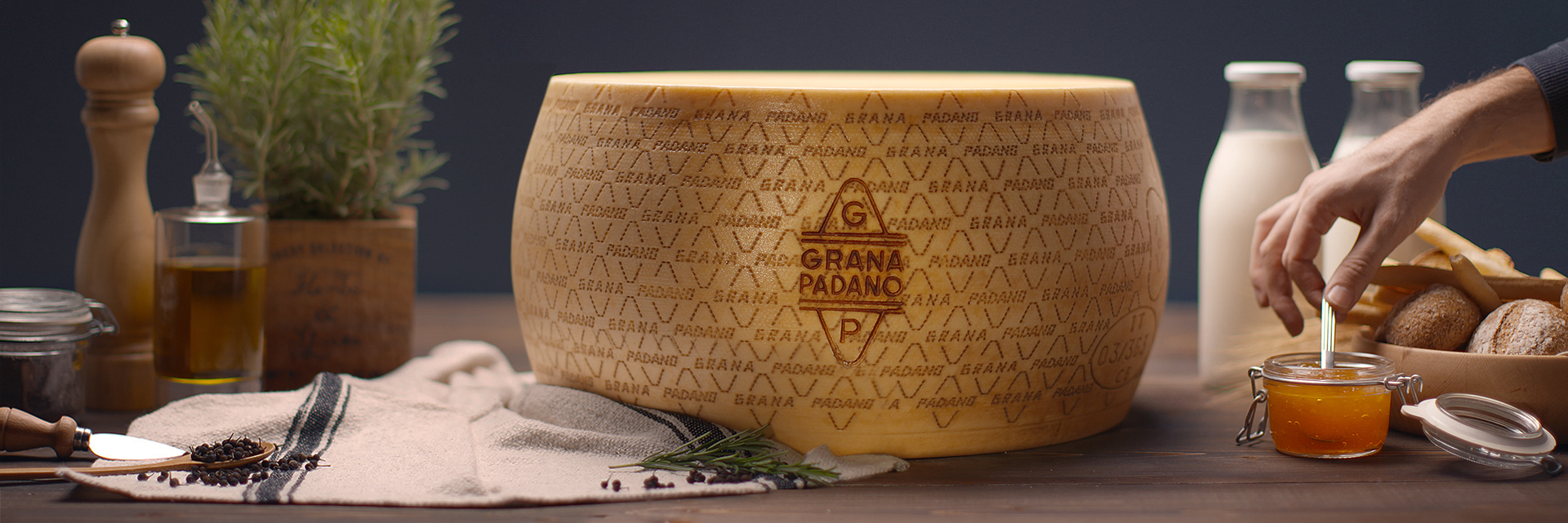 Monkey Talkie - Grana Padano - I numeri - Produzione video - Motion Graphics